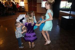 kids-dancing-banquet-hall
